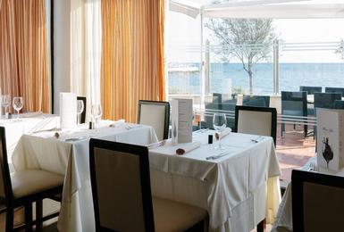Рестора́н Отель AluaSoul Palma (Только для взрослых) Cala Estancia, Mallorca