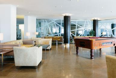 Lobby Отель AluaSoul Palma (Только для взрослых) Cala Estancia, Mallorca